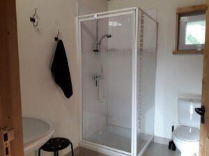 schopkamer-badkamer